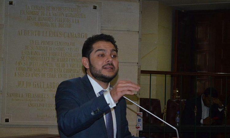 """""""Debemos amparar a menores víctimas de abusos sexuales"""" sentenció Efraín Torres"""