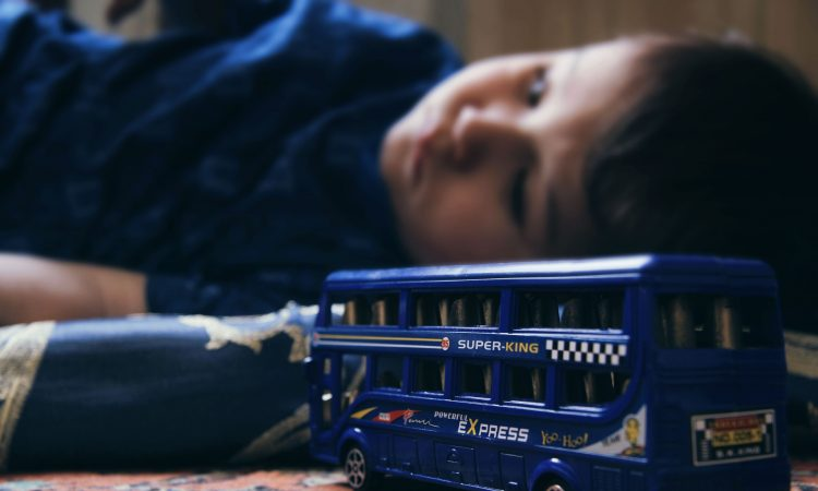 Los adultos deben proteger a los menores y no convertirse en un peligro para ellos por su estado de vulnerabilidad